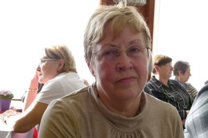 Claudia Simon, im Hintergrund links OB Petra Wust